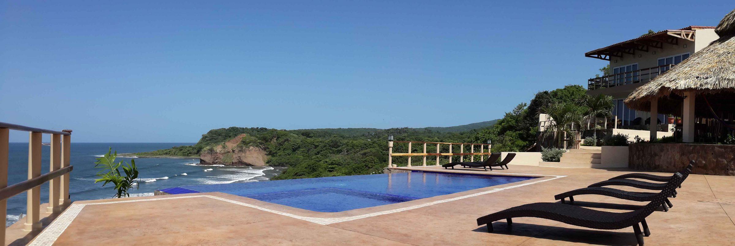 Los Mangos Pool
