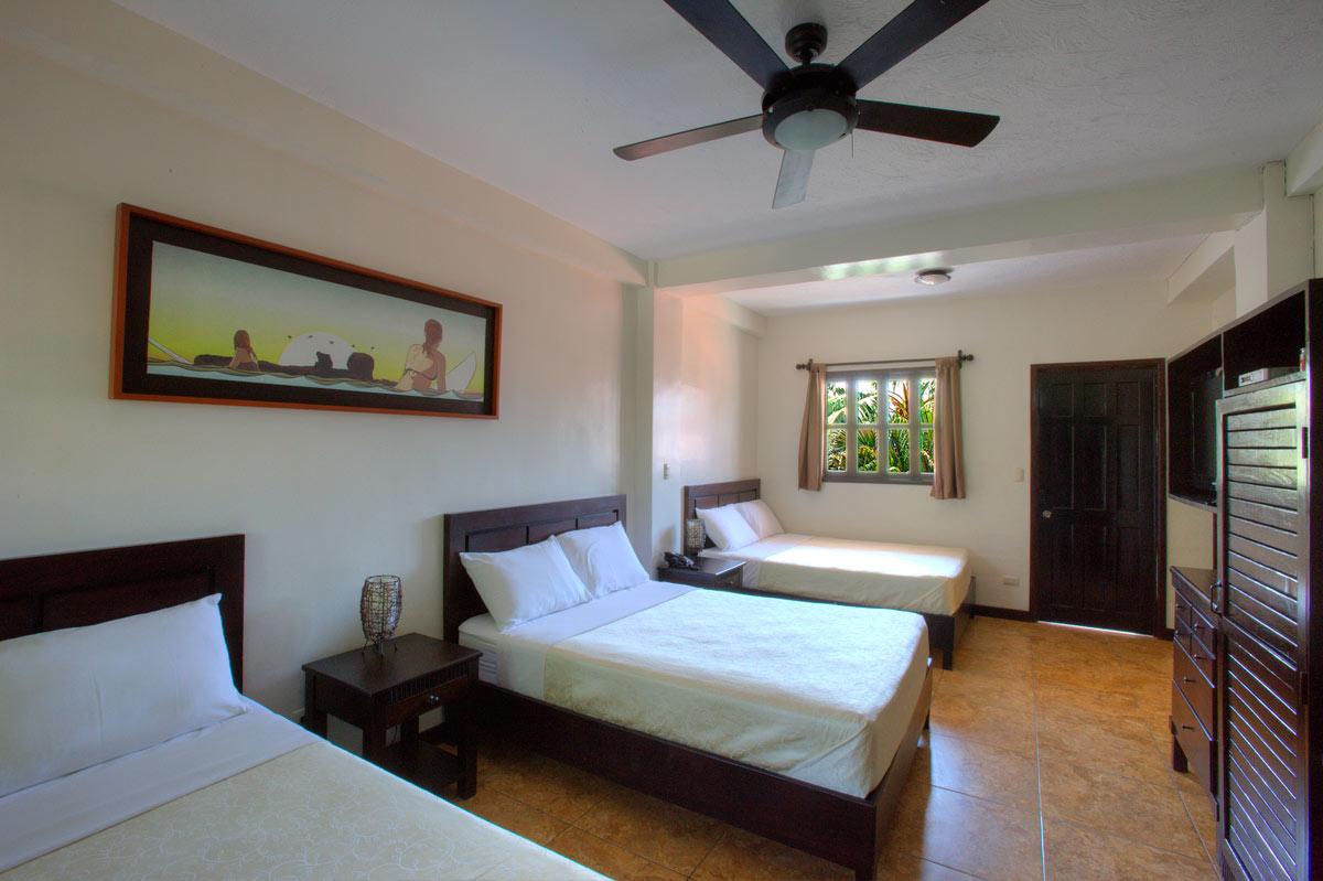 Poolside Triple Room & Poolside Triple Room | El Salvador Surf Company | Sunzal